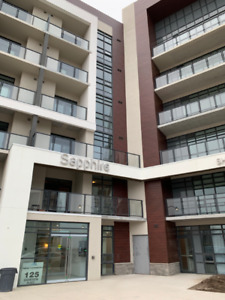 Luxury Condo on the Stoney Creek Waterfront $1600 Monthly!