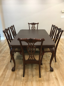 Antique Dining Room Table & 8 Chairs - Excellent Condition