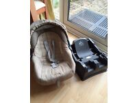 Mama and Papa baby car seat carrier with secure safety base