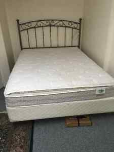 QUEEN SIZE METAL BED PLUS MATTRESS AND BOX SPRING