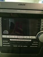 Sony 3 disc CD player and radio