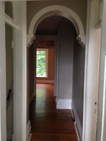 2 Bed - Apartment- $1100 - London- Walk downtown! Avail Sept/Oct