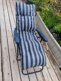 Sun lounger - foldable with cushion