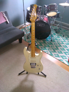 Godin sessions fat strat style. Upgraded
