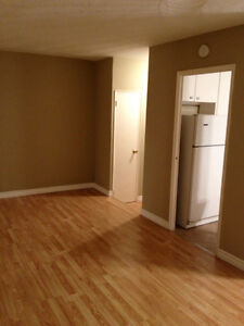 Spacious 2 Bedroom - Dec 1 - Marilyn Dr.