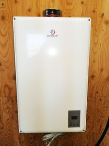 Eccotemp 45HI Natural Gas Tankless Water Heater 6.8 GPM (USED)