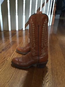 vintage cowboy boots in great condition