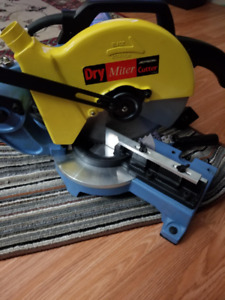 """Selling a Jepson Dry Miter Cutter. 10"""" dry blade included"""