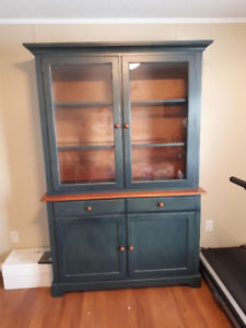 Solid Wood China Cabinet with Hutch