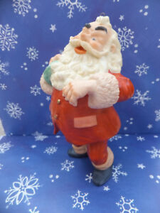 HALLMARK - CHRISTMAS SANTA ORNAMENT