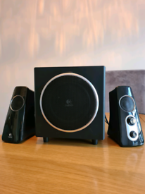 Full Sound System Logitech Speakers with Subwoofer & Bass Adjustment