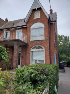3 + 1 Bedroom - Semi Detached Home for Rent