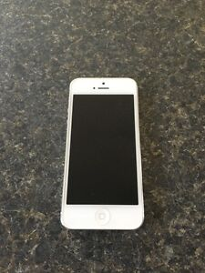 iPhone 5 - 16G - mint condition