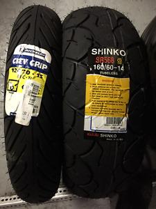 Pièces (pneux, frein et bearing) pour burgman 650