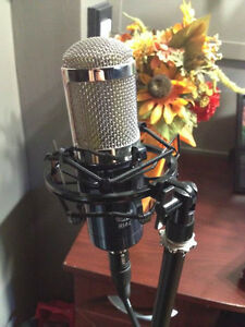 MXL R144 Ribbon Microphone with shock mount & filter.