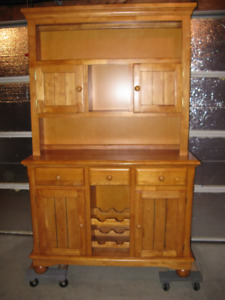 Solid oak Bar/Hutch