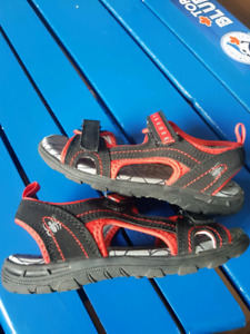 Youth Boys Size 11 Sandals