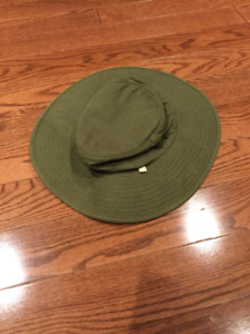 Mens Wide Brim Camo Green Hat with Drawstring