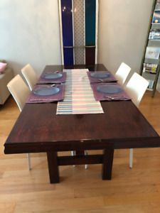 Elegant dining room table set.