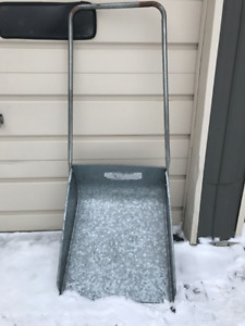 Snow Shovel  (scoop)