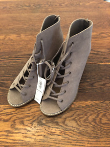 Old Navy Shoes - Brand New