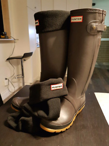 New Hunter boots with socks size 6