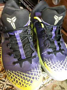 Kobe  Bryant basketball shoes / sneakers