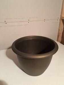 Pot for plants West Island Greater Montréal image 1