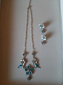 VINTAGE COROCRAFT BLUE FLOWER NECKLACE & DROPPER EARRINGS