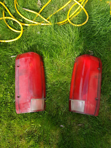 Tail lights from a 1994 Ford F150 $20 obo