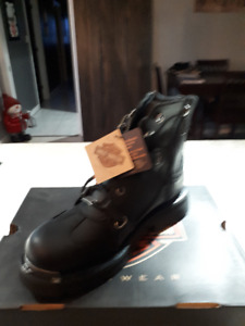NEW NEVER OUT OF THE BOX 9.5 MENS  HARLEY BOOTS