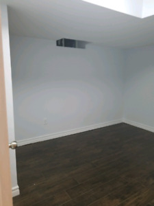 A  Room  available for female students ,near Durham college