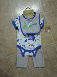 Baby boy 4pc outfit, brand new, giftable, size 3-6 months