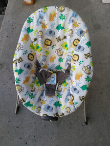 Excellent condition Baby Swing. Used for a day.