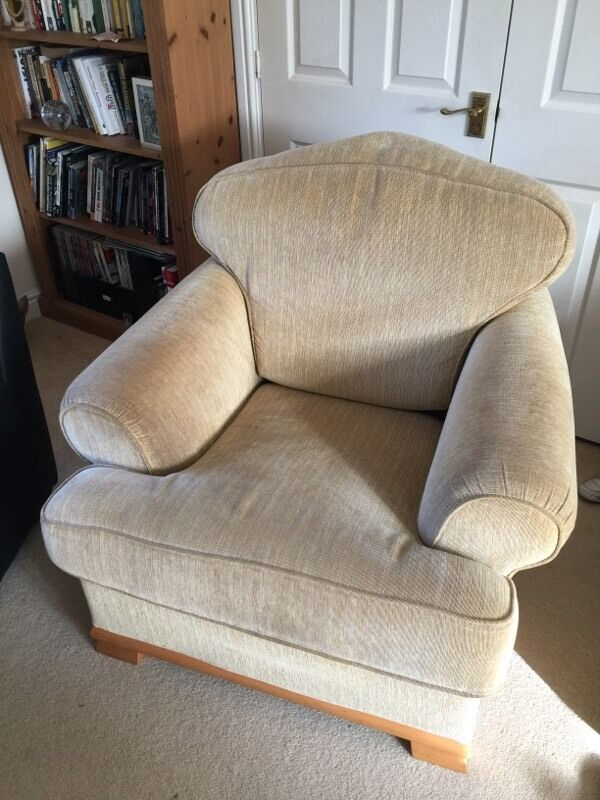 Large comfortable armchair in shepton mallet somerset for Large comfy armchairs
