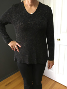 Black sparkly long sleeved top by Kim & Co.