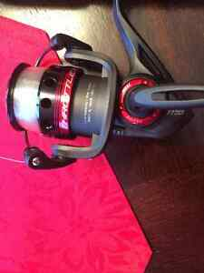 Quantum Throttle spinning reel size 30