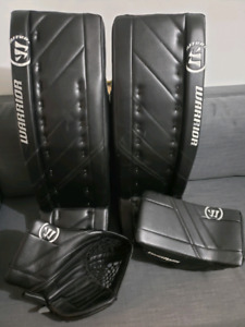 Warrior R/G4 Goalie Pads and gloves 34 plus 1.5