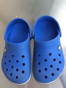 Kids crocs junior size 2