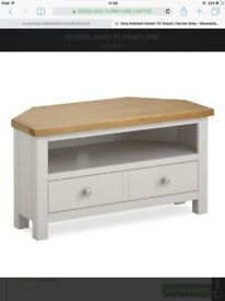 Tv stand/cabinete wanted