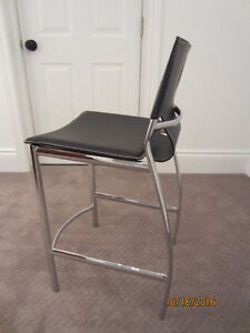 4 leather counter stools London Ontario image 2