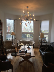 Contemporary 2 Bedroom (Inglis & Lucknow) -- Dog Friendly