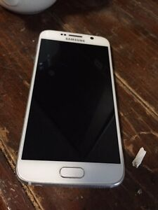 Samsung s6 locked to rogers good condition