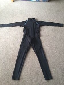 Bauer Youth full body suit.