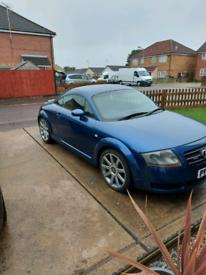 Audi tt 225 52 plate