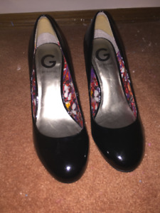 Black patent Shoes by Guess