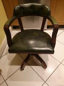 Captain's chair