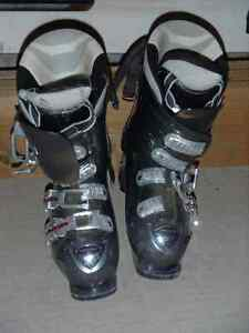 Black Atomic Ski Boots 297mm