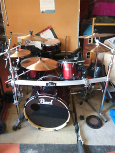 Pearl Vision Drum Set With Cymbals and Hardware