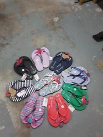Ladies sandals flip flops summer shoes size small 3/4